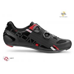 Scarpa Crono CR2 da ciclismo con chiusura Boa e suola disponibile in carbonio o nylon rinforzata in carbonio